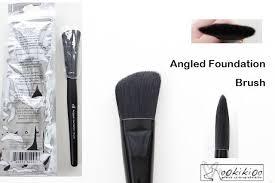 e l f studio angled foundation brush