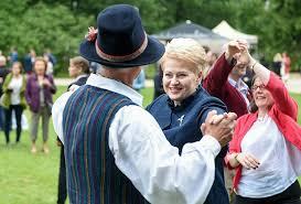 Две жизни президента Литвы Грибаускайте Прибалтика Бывший СССР  Грибаускайте известна экстравагантными поступками и заявлениями