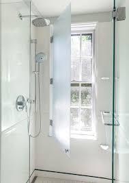 Dusche Vor Fenster Badezimmer Einbauen Installieren Sichtschutz