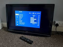 hitachi 60 inch tv. hitachi 32 inch lcd tv television 32ld4550u remote and power, no stand, hdmi, 60 tv
