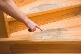 Außerdem benötigt man viel zeit und einiges an werkzeug und arbeitsmaterial, um die abgenutzten treppen. Holztreppe Renovieren Mit Diesen Kosten Ist Zu Rechnen
