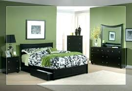 light green living room bedroom decorating ideas what color bedding goes with walls blue decoratin light green walls bedroom interior paint colors