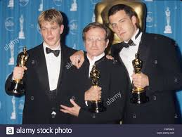 ROBIN WILLIAMS with Matt Damon and Ben Affleck at the 70th Academy Stock  Photo - Alamy