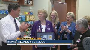 7Everyday Hero Polly Coleman gives her time at St. Joe's Hospital - YouTube