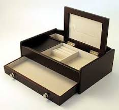 men s jewelry men s gift men s rings weddings rings jewelry brands men s jewelry boxes will store jewelry and watches that are not being worn daily while men s charging stations hold and organize their daily needed items