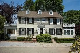 Amityville house2 d349f7