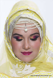 makeup artist courses