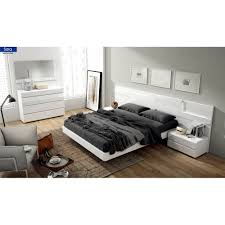 Modern Style Bedroom Sets Sara Contemporary Bedroom Set White Modern Manhattan