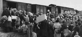 Resultado de imagen de judios hacia el gueto tren
