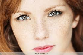 how to er freckles using makeup