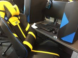super comfortable chairs quotall of the expensive stuff is donatedquot he said ibuypower logitech vertagear and bedroomformalbeauteous furniture comfortable lounge chairs