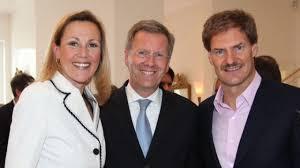 Im interview mit extratipp.com verraten die. Christian Wulff Und Carsten Maschmeyer Freundesdienste Auf Mallorca Politik Sz De