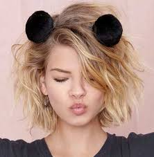 side parted cute short wavy hairstyle