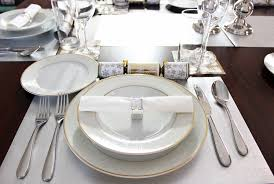 Setting A Dinner Table Decorative Table Setting Clipart Clipartfest Setting Table