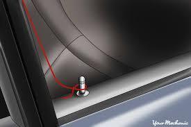 loop aorund door lock button car82 car