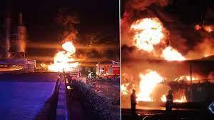 ด่วน! ไฟไหม้ถังเก็บน้ำมัน โรงงานกำจัดสารเคมี ขนาดใหญ่ที่ปากช่อง  ยังไม่รู้ปริมาณเชื้อเพลิง - ข่าวสด