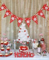 Office party decorations Cubicle Christmas Party Decoration Ideas 23 Decorations That Are Never Naughty Always Nice Dentistshumankingstoncom Christmas Party Decoration Ideas Dentistshumankingstoncom