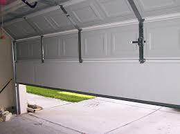 10 reasons to replace your garage door