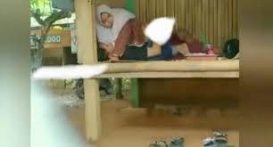 Gunung rowo bergoyang no sensor mp3 & mp4. Viral Video Mesum Sejoli Di Gazebo Viral Video Mesum 3 Menit Sejoli Remaja Di Gazebo Bambu Viral Video Mesum Sejoli Di Tempat Wisata Yang Disakralkan