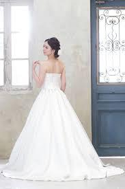 ウェディングドレス公式小さな結婚式