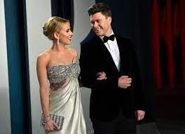 How Scarlett Johansson and Colin Jost ...