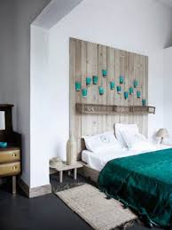image of pallet wall decor ideas for bedroom