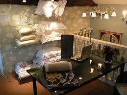 ... Studio Interior Design of Firma Office .  http://www.silverleafinteriors.co.uk/images/interior_design_studio3.