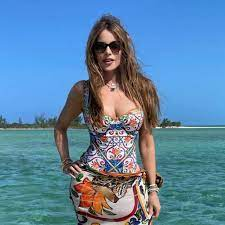 Sofia Vergara Flaunts Flawless Figure ...