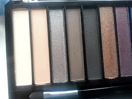 this palette has some gorgeous day to night tones so i couldn t wait to see how they looked there are 12 shades in this hot smoked palette ranging from