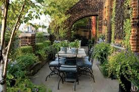 beautiful small patio gardens
