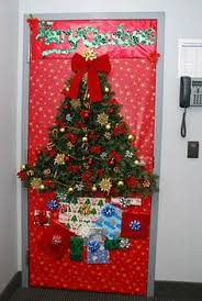 christmas office door decorating. A Classroom Door With Christmas Decoration Like This Will Definitely Get The Kids Excited. Office Decorating
