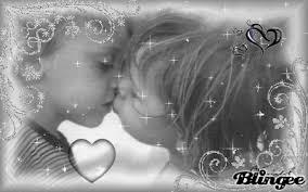Risultati immagini per bambini innamorati