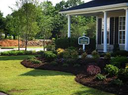 Symmetrical Front Yard Landscape Ideas | ... Front Yard Craftsman Style,  small courtyard