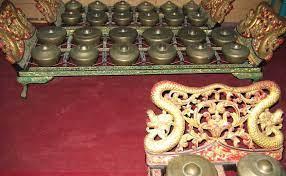 Alat musik modern merupakan alat musik yang sedang marak digunakan hingga saat ini. Mengenal 11 Alat Musik Tradisional Dari Jawa Tengah