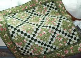 7 Traditional Quilt Patterns Guaranteed to Impress & Traditional Irish Chain Quilt - Craftsy Pattern Adamdwight.com