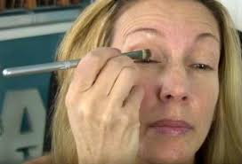apply your eyelid primer everyday makeup tutorial for women