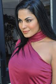 As per the latest reports Lollywood actress Veena Malik who has acted in several Hindi films, tied the knot with businessman Asad Bashir Khan Khattak in ... - Veena-Malik