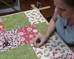 Tips on How to Make a Quilt for Beginners & Hand ... Adamdwight.com