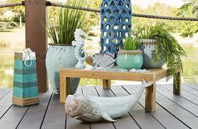 outdoor décor