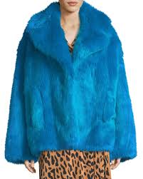 faux fur long sleeve boxy collared jacket