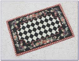 bargain black and white checd area rug rooster hand hooked for your kitchen
