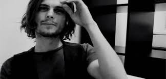 spencer reid smiling. 22. also, can we talk about the evolution of his hair? spencer reid smiling .