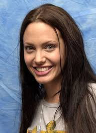 i think angelina jolie is naturally beautiful without makeup