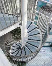 Bei den zusätzlichen treppen, die baurechtlich nicht als notwendige treppen gelten, sind die vorschriften jedoch in allgemeinen gebäuden und in wohnhäusern gleich. Nicht Notwendige Treppen Treppen Treppenarten Baunetz Wissen