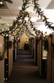office holiday decorating ideas. Breathtaking 20 Office Christmas Decorating Ideas Https://decoratoo.com/2017/10/13/20-office-christmas-decorating-ideas/ For The Holidays Is Holiday