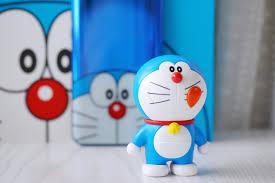 Cận cảnh smartphone Doraemon dễ thương nhất quả đất