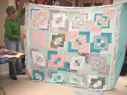 Jean's Quilting Page: Potato Chip Quilts & ... get 2 quilts out of her 16 blocks. She used the same fabric for her  setting triangles as some of her blocks, so got a floating look on the  corner ones. Adamdwight.com