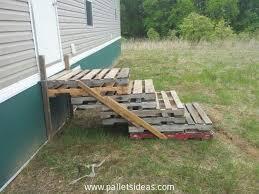 Bauen sie ihr eigenes bett aus paletten. Stairs Made From Pallets Jpg 750 562 Pallet Decking Pallet Outdoor Pallet Stairs