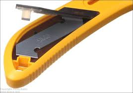 storage for blades in the handle