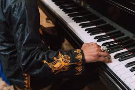 Musik yang berasal dari luar negeri. Pengertian Musik Tradisional Beserta Jenis Dan Contohnya